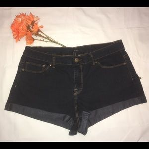 Womens Denim Cuffed Short Shorts Size 30 XXI